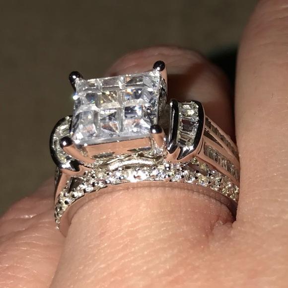 25d0e0d9af5 Tinnivi princess cut engagement ring. M 5b28b297409c15b8309d5675
